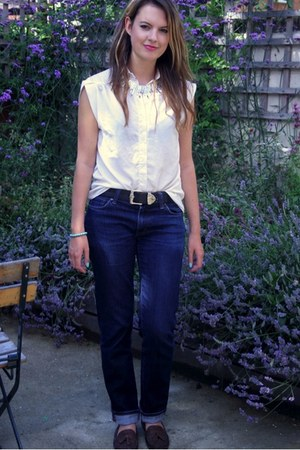 navy boyfriends Uniqlo jeans - ivory blouse - black vintage calvin klein belt