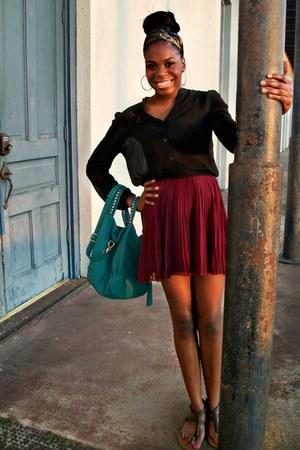 crimson Pleated skirt - black Forever 21 black blouse