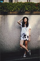 white cow print romwe shorts
