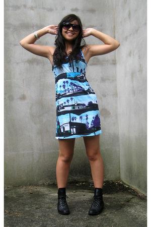 black Metropark sunglasses - blue H & M dress - black we who see shoes