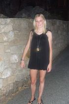 black asos dress - black Topshop shoes - gold vintage necklace - silver casio ac