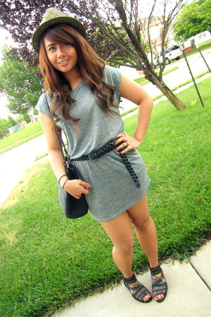 heather gray ever dress - light brown Forever 21 hat - black thrifted bag - blac