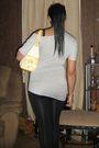 Gray-discreet-shirt-black-rue-21-leggings-gray-delicious-shoes-yellow-xoxo