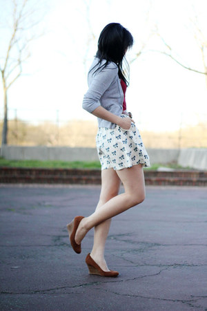 heather gray H&M cardigan - brick red American Apparel top - eggshell Urban Outf