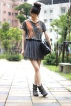 carrot orange shirt - black bag - heather gray skirt
