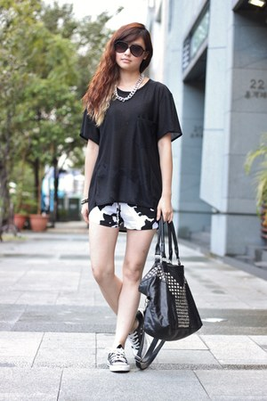 black Zara shorts
