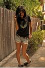 Gray-vans-shoes-black-otis-t-shirt-black-minolta-freedom-70-zoom-accessories
