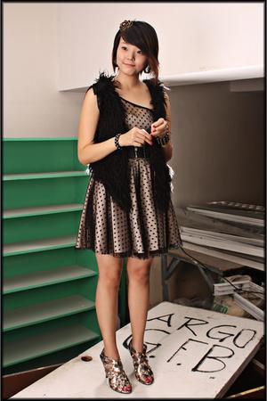 Jerellasalesmultiplycom belt - Topshop dress - GoJane shoes - Jerellasalesmultip