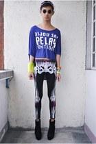 black S Dare to be Bold leggings - black Soule Phenomenon boots - violet m top