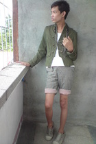 Thrifted Zara jacket - solo shirt - solo necklace - thrifted diy shorts - People