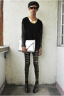 Brown-s-dare-to-be-bold-leggings-silver-gold-dot-bag-black-gold-dot-wedges