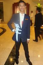 coat - accessories - pants - shoes - top - tie