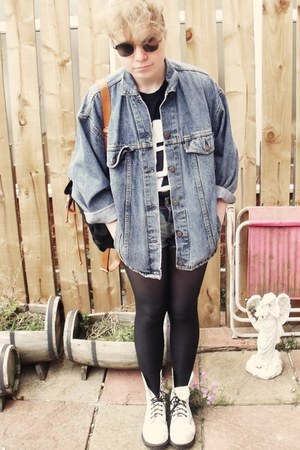 HMV PIL shirt t-shirt - combat boots boots - Levis jacket - tights