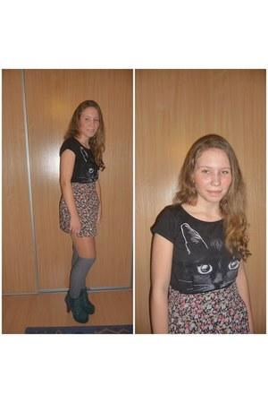 bubble gum cropp town skirt - black Stardivarius t-shirt