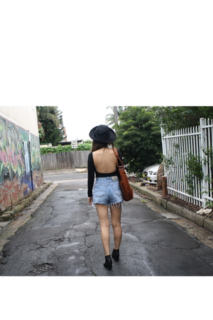 black - vintage shorts - black vintage shoes - black Vinatge hat