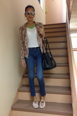 navy H&amp;M jeans - tan Lucky21 blazer
