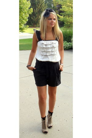 black Forever 21 accessories - white Urban Outfitters top - black Forever 21 sho