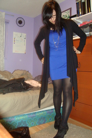 sweater - Forever21 dress - Zara shoes - Forever21 necklace