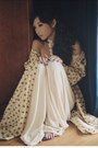 Ivory-glitterati-dress-beige-glitterati-cape