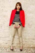 black Mango sweater - red Mango blazer - black Mango bag - camel Mango pants