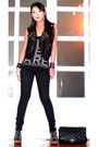 Black-trunkshow-vest-black-zara-top-black-mango-jeans-black-zara-shoes-b
