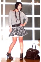 H&M top - Zara belt - Topshop skirt - Anthem shoes - YSL purse - FREEDOM necklac
