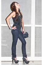 black skinny Mango jeans - black chain Zara bag - black Glitterati vest - black