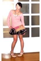 pink cotton v-neck Zara sweater - pink Nine West shoes