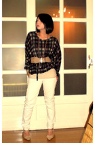 beige Moms collection passed on to moi belt