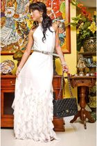white Moonshine dress - black 255 Chanel bag - silver vintage belt