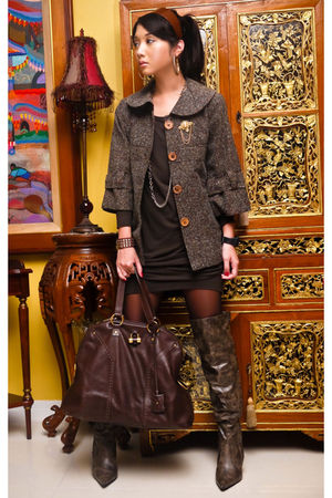 brown ilaya coat - brown Zara dress - brown online boots - gold assorted accesso