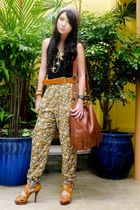 brown Zara hat - gold by my cousin necklace - beige Zara pants - gold vintage be