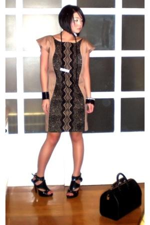 black My collection necklace - black gladiator heels Anthem shoes