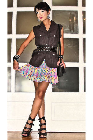 gray safari style Graxie vest - black strappy wedges Steve Madden shoes