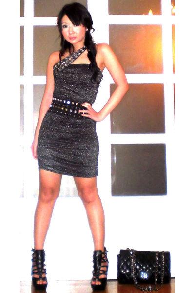 black online shoes - black 255 Chanel purse - silver Glitterati