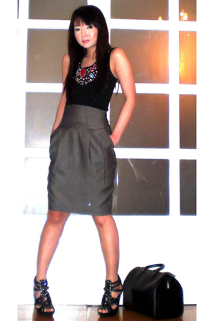 black Mango top - gray Zara skirt - black Cosmopolitan necklace - black online s