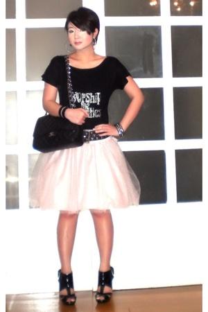black Zara t-shirt - black Topshop shoes - black Chanel bag