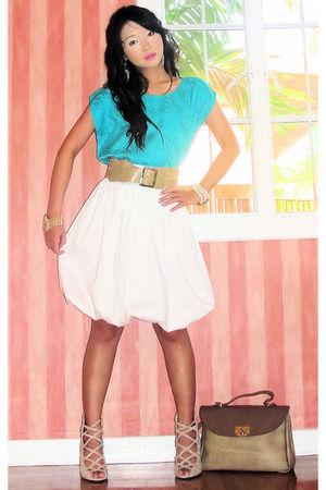 blue Vintage Italian blouse - beige vintage belt - white Luca skirt - beige vint