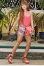 Salmon-37la-purse-camel-iconoclast-shorts-salmon-zara-blouse