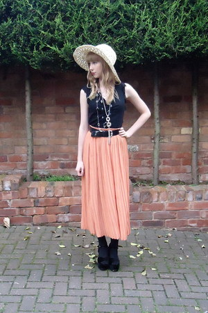 pleated vintage skirt - crochet boots hat - velvet Office heels