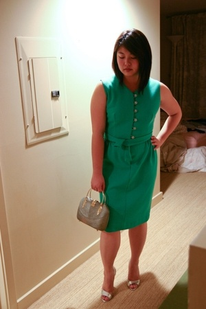 vintage dress - vintage purse - BCBGparis shoes