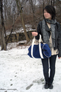 Black-jacket-blue-jeans-blue-accessories-gray-scarf-beige-shirt-gray-s