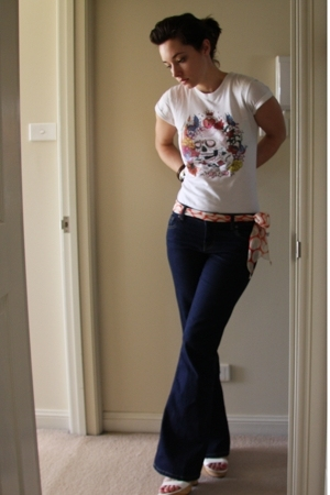 RedBubble t-shirt - Just jeans jeans - scarf - Wittner shoes