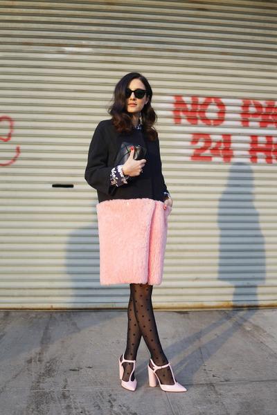 bubble gum faux fur Hache coat - black polka dots Calzedonia tights