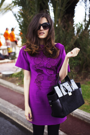 black vynil Dsquared2 bag - amethyst flowers details H&amp;M dress