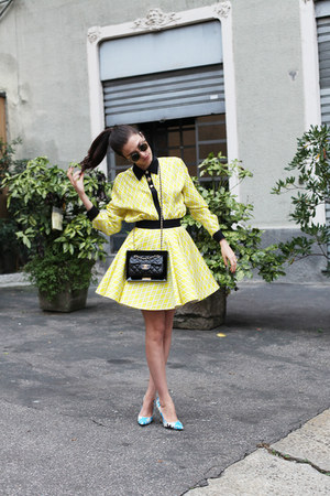 yellow neoprene Fausto Puglisi dress - black Chanel bag