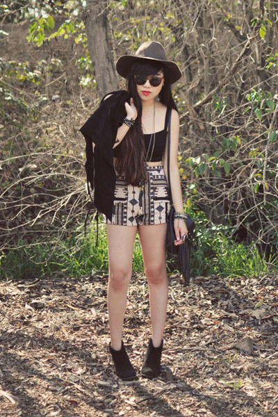 UO hat - fringe H&M bag - LuLus shorts - Brandy Melville crop top