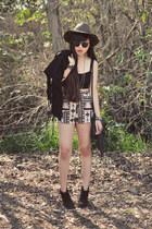 UO hat - fringe H&M bag - LuLus shorts - Brandy Melville crop top