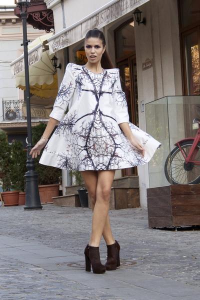 pony hair Ilpasso boots - swing dress GEEKS & STITCHES dress