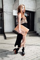 light brown 7e bag - black Inside heels